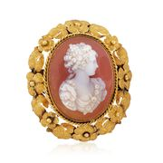 C. 1930 Vintage Agate Cameo Floral Pin in 18kt Yellow Gold