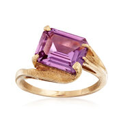 C. 1960 Vintage 3.50 Carat Color Changing Synthetic Sapphire Ring in 10kt Yellow Gold. Size 5.5